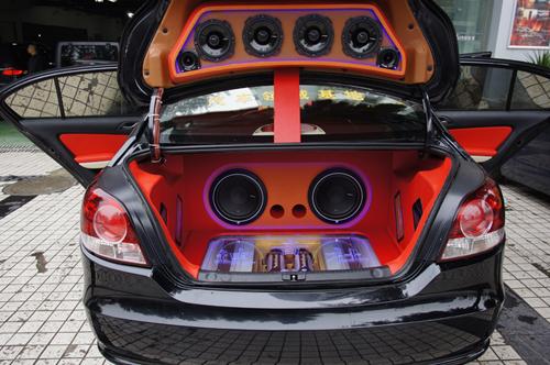 大众朗逸超级热辣的汽车音响改装高清图